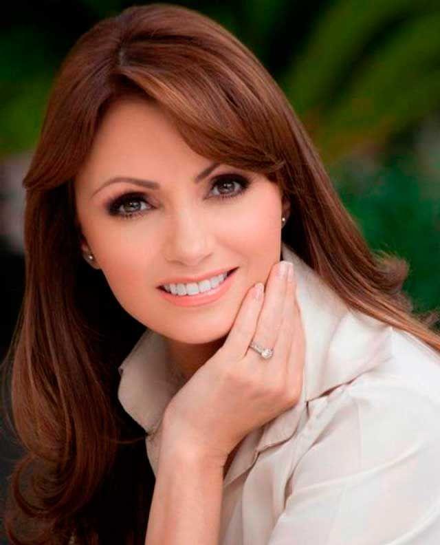 Анхелика Ривера жена президента Мексики