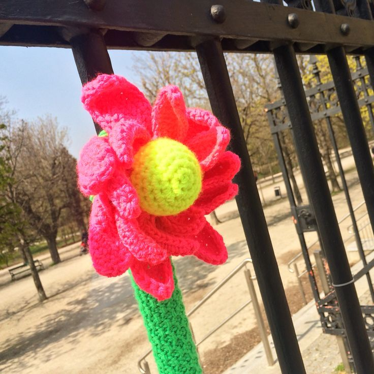 "THE PROTEST GOES ON... viennese parks are closing their gates too early in the evening, again! this is why the crochet flower is shaped like a key... (its a wordplay: primrose = ""key flower"" in german) ... thanks to krisi and erc for helping me with the installation! #crochet #flower #streetart #protest #guerillacrochet #tunisiancrochet #yarnbomb #primrose #schlüsselblume #installation #augarten #vienna #viennastreetart #streetartvienna #igvienna #igersvienna #igersaustria"