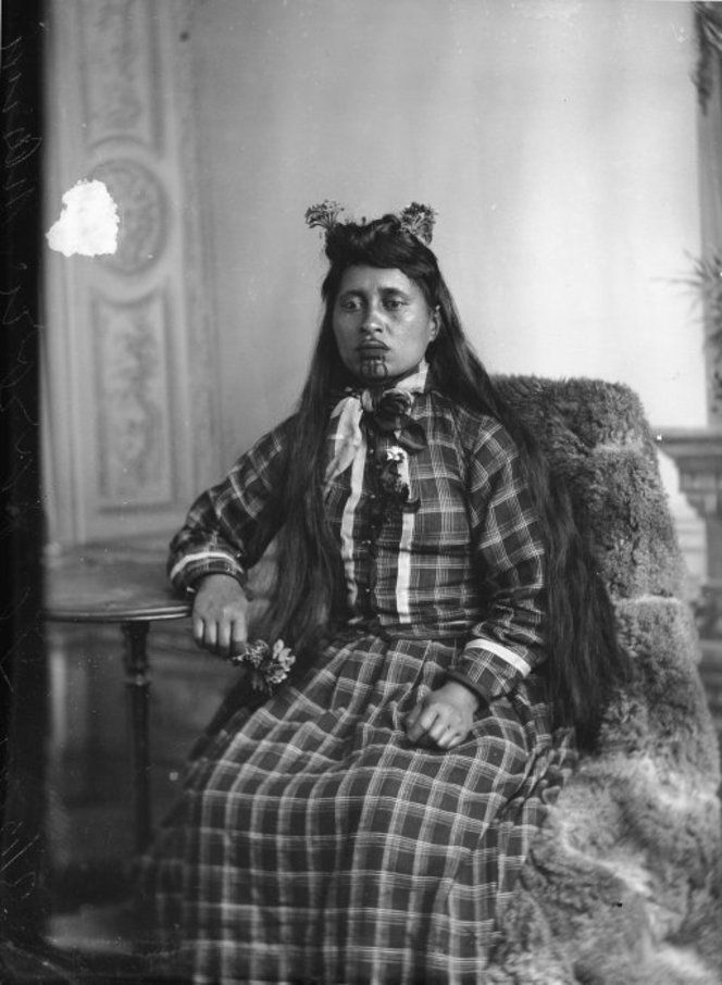 Maori woman from the Hawkes Bay district, taken on 3 December 1897 by Samuel Carnell of Napier. #Maori