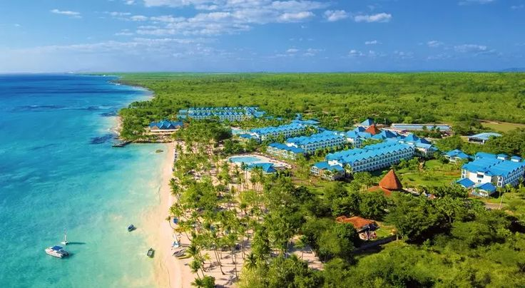 Dominican Republic Vacations - Dreams La Romana Resort and Spa - All-Inclusive - This Unlimited-Luxury resort is a great choice for a relaxing tropical getaway.