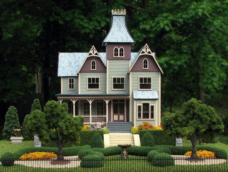 queen anne miniature dollhouse | This blog is about my hobbies, Miniatures and Photography. They're ...