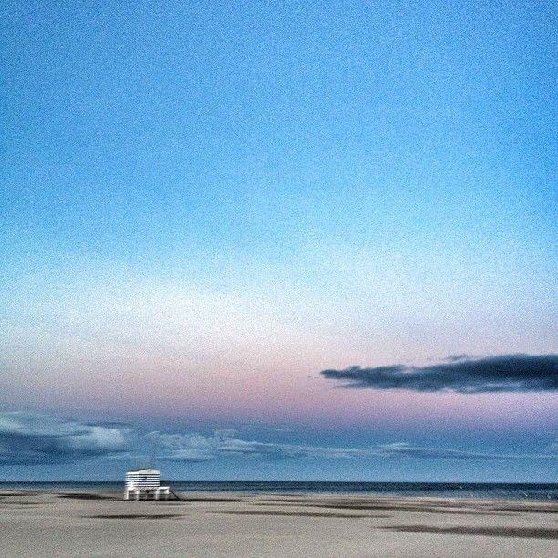 @confituredevivre Instagram photos | Gruissan beach in September
