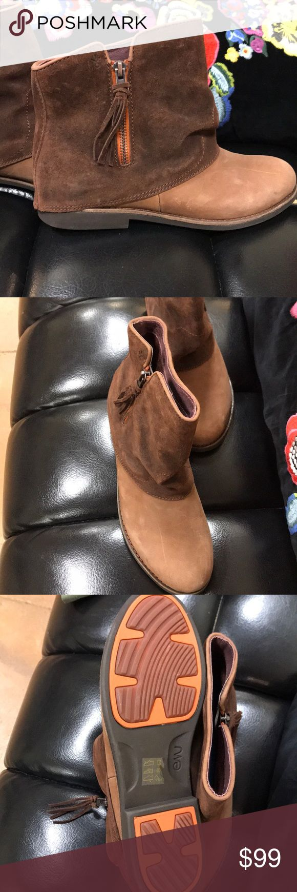 Emu boots Emu Australia zip ankle boots —never worn NO tAGs Emu Shoes Ankle Boots & Booties