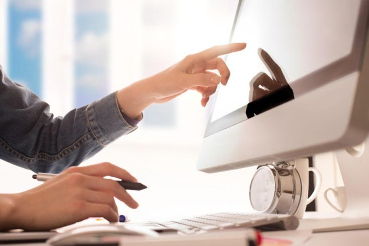 Ideale Stellenanzeigen für Entwickler schreiben: 7 Tipps für Recruiter & Personaler #Jobsuche_Recruiting #Berufsbild_IT #Employer_Branding_Recruiting_Personalwesen_HR #Jobbörsen_Jobmessen_Stellenanzeigen #Job #Application #Jobhunting #Career #CV  - Geeignete Mitarbeiter zu finden, die großartige Arbeit machen, noch dazu ins Team passen und langfristig bleiben, so lautet die Anforderung an HR-Mitarbeiter. Gerade in der IT ist das schwierig - auch weil Entwickler häufig ga