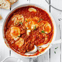 Jajka gotowane w pomidorach z soczewicą   Kwestia Smaku