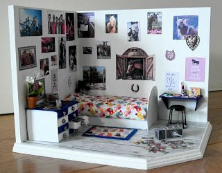 Roombox made for 14 year old girl http://dollhouses-and-miniatures.blogspot.nl/2016/01/miniatuur-tiener-slaapkamer-gemaakt.html