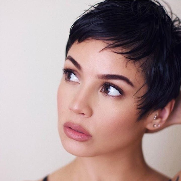 19+ Latina short hair info