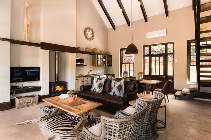 Luxury Bush Villa at Botlierskop #travel #doyoutravel #traveldiary