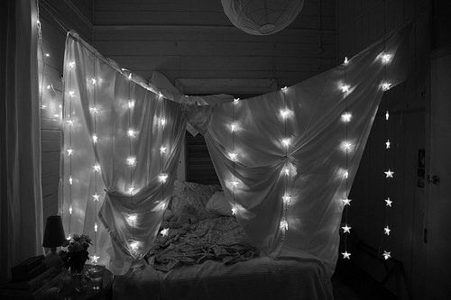 faux canopy bed :)
