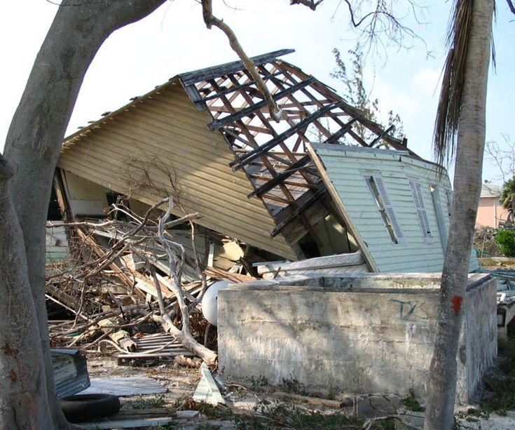 Hurricane Ivan's damage - Georgetown, Cayman Islands