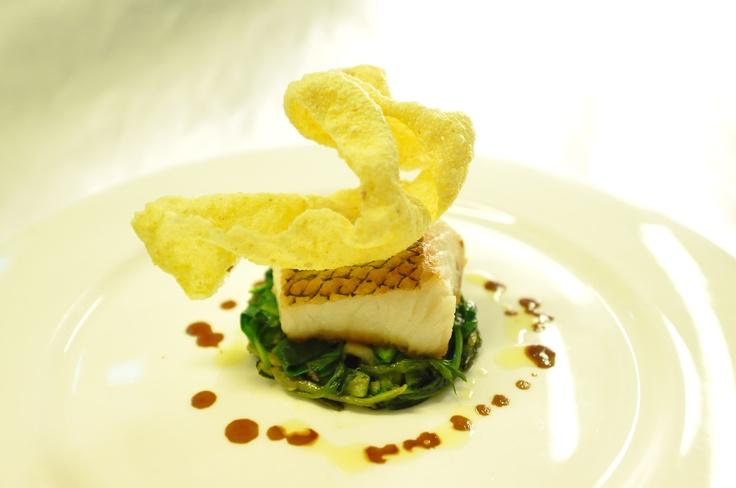 Merluzzo black cod arrosto, verdure verdi e tamarindo