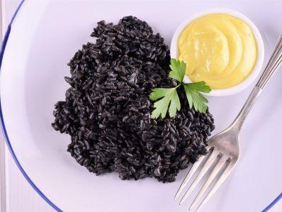 Receta | Arroz negro con alioli de lima - canalcocina.es