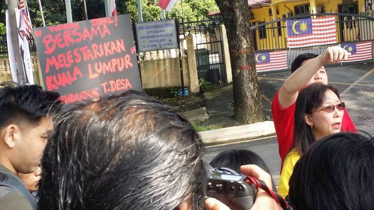 Sidang media dituduh menganggu majlis perkahwinan Teresa Kok dakwa dia diganggu orang Umno   Teresa Kok dituduh mengganggu majlis kenduri perkahwinan semalam namun wakil rakyat DAP itu mendakwa bantahannya diganggu orang Umno.  Sidang media dituduh menganggu majlis perkahwinan Teresa Kok dakwa dia diganggu orang Umno  Wakil rakyat Seputeh bersama sekumpulan penyokongnya membantah projek perumahan di kawasannya berdekatan lokasi kenduri di Dewan Komuniti Seputeh.  Kok berkata sidang medianya…