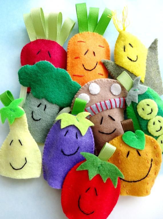 Sewing: Vegetable Finger Puppets. Teach the children healthy eating while they play!!