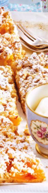 Pfirsich-Streusel-Schnitten!  Oben und unten herrlich aromatische Nuss-Streusel, dazwischen eine saftige Schicht Sommerfrüchte- so schmeckt der Sommer einfach gut!  Jetzt bei Readly lesen:   Tina Koch & Backideen NR.09 2016 - Seite 65