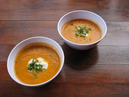 Pikantní rajčatová polévka | veganka.cz