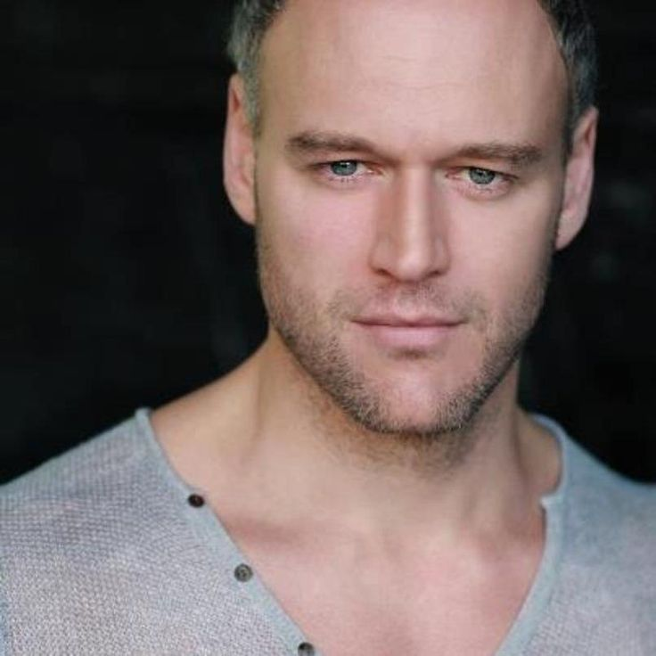 Elliot Cowan, actor, Lost in Austen