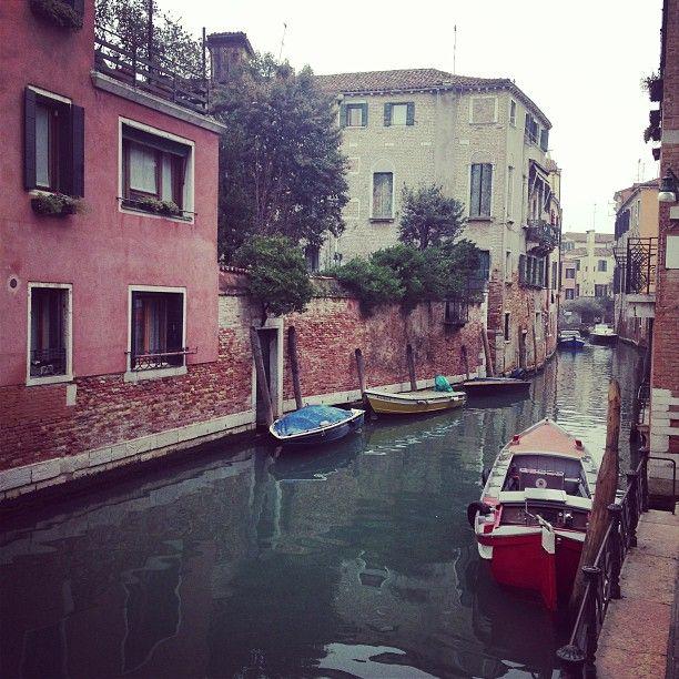 In giro per #Venezia http://instagram.com/allyoucanitaly