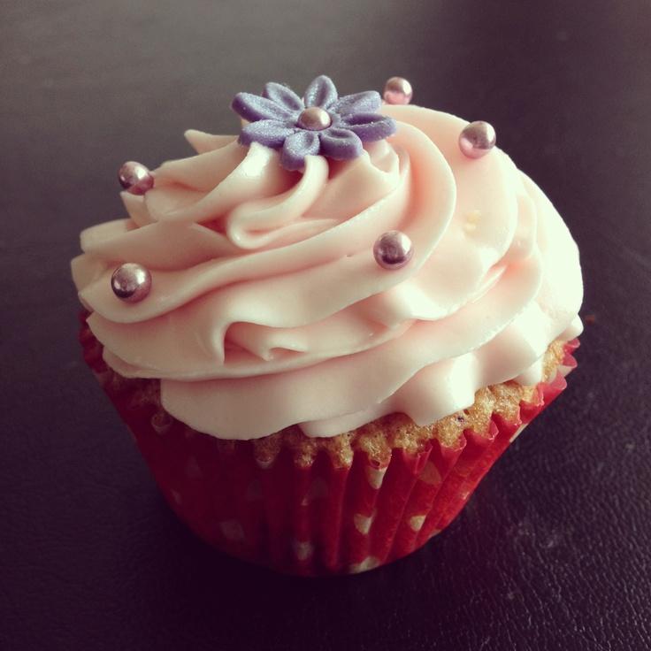 Karoliina's Raspberry Cupcake from Nonpareilled