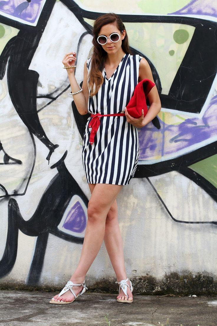 tendenze estate 2013   righe   occhiali da sole tondi   borsa celine   vangle   borsa rossa   sandali corda   outfit   look   fashion blogger   it girl 1