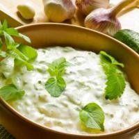 Рецепты низкокалорийных соусов из йогурта
