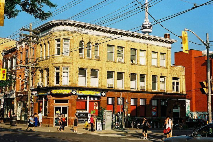 https://flic.kr/p/okd9ij | Queen and Portland - Toronto | Nikon FE2 Nikkor Micro 55mm f2.8 AGFA Ultra 100