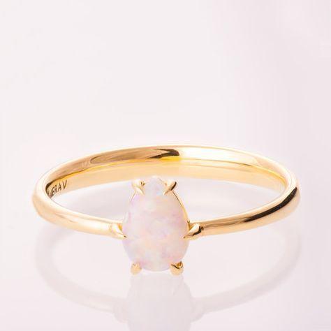 Anillo de compromiso de pera ópalo anillo de por doronmerav en Etsy