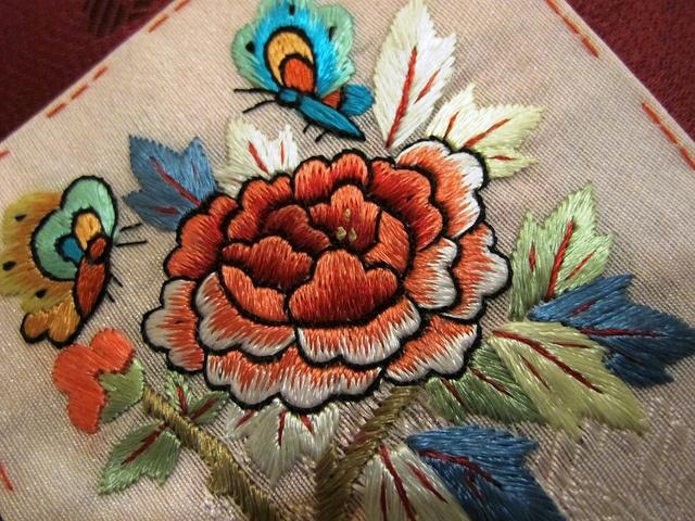 Korean flower embroidery by Gemfinder, via Flickr