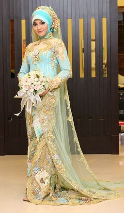 Turquoise Muslim Wedding Dress - http://casualweddingdresses.net/muslim-wedding-dresses-for-beautiful-islamic-brides/