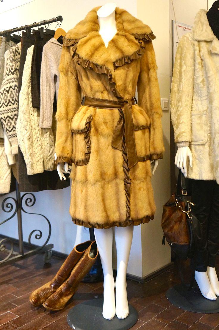 Dolce & Gabbana manteau fourrure en très bon état.