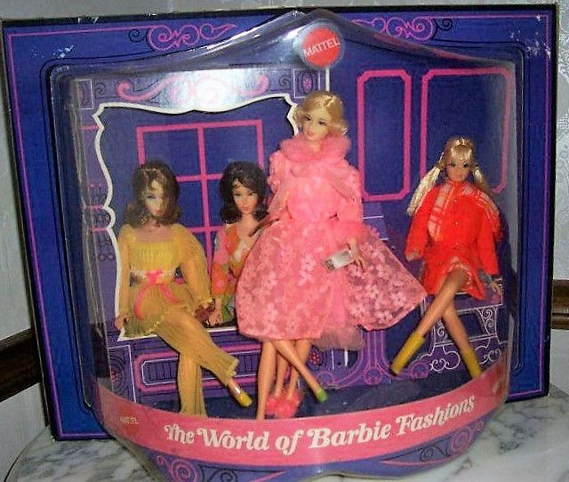 The Wold Of Barbie Store Display2