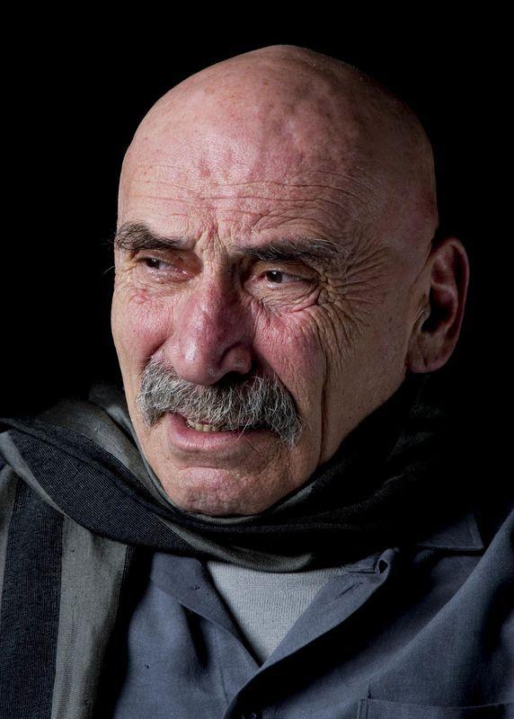 Tuncel Kurtiz ( 1 Şubat 1936, İzmit, Kocaeli - 27 Eylül 2013, İstanbul)
