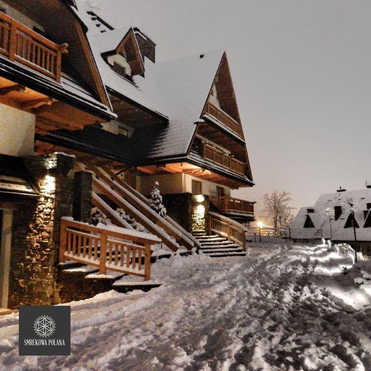 Zabudowa w stylu regionalnym.   Apartament Mroźny - zapraszamy! #poland #malopolska #zakopane #apartamenty #apartamentos #noclegi #zima
