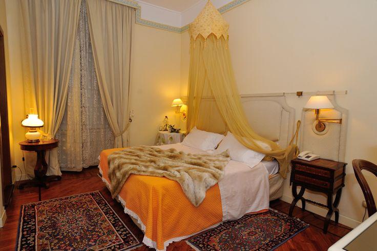 Classic, superior e suite: gli ospiti del Grand Hotel Tettuccio hanno il privilegio di scegliere tra le 74 camere dell'albergo, la proposta di accoglienza più affine alle proprie esigenze di spazio e comfort.