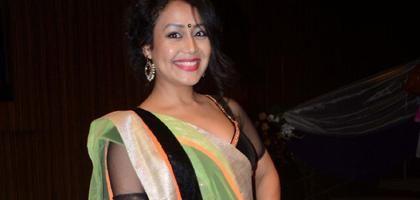 Famous Bollywood Singer Neha Kakkar in Saree Latest Pics - Photos http://www.nrigujarati.co.in/Topic/4315/1/famous-bollywood-singer-neha-kakkar-in-saree-latest-pics-photos.html