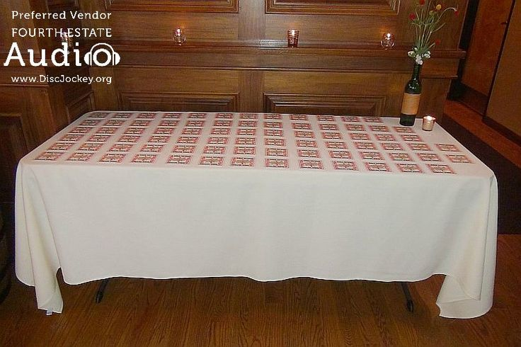 The table cards were all laid out, awaiting their guests. http://www.discjockey.org/real-chicago-wedding-august-14-2016/