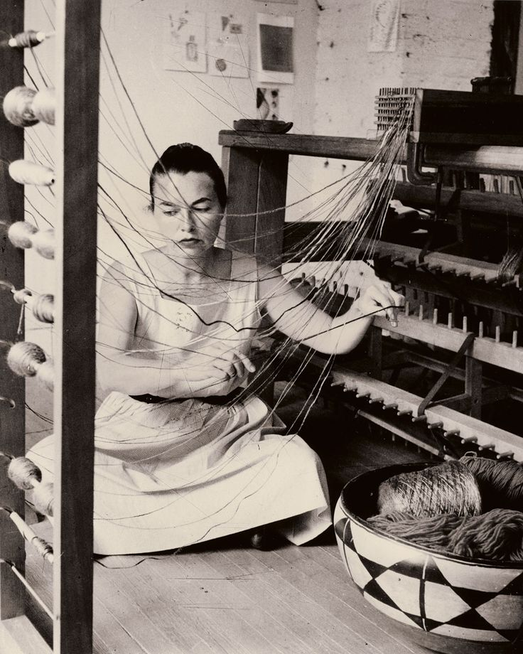 Lenore Tawney: Spiritual Revolutionary | American Craft Council Lenore Tawney at work in her New York City studio, 1958. ; Photo/David Attie. -