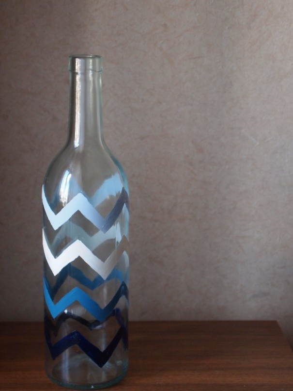 hand painted glass bottle-diy