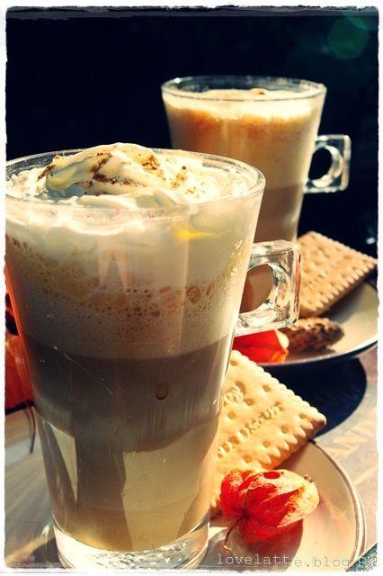 Pumpkin Spice Latte przepis: http://lovelatte.blog.pl/2013/10/15/sezon-dyniowy-c-d-pumpkin-spice-latte-przepis-na-kawe-dyniowa/