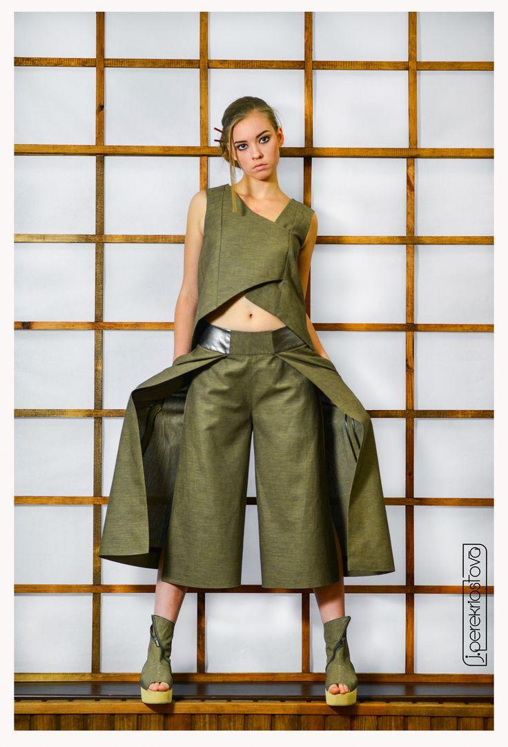 Костюм цвета хаки: брюки-кюлоты и туника - J.Perekriostova