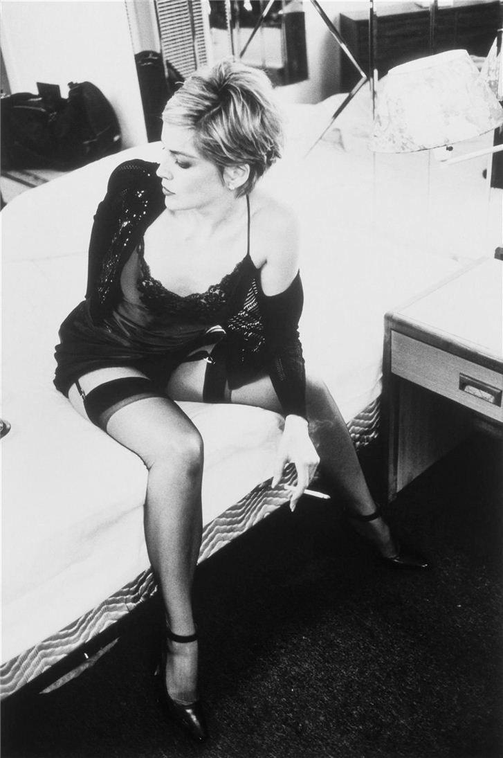 Sharon Stone smoking