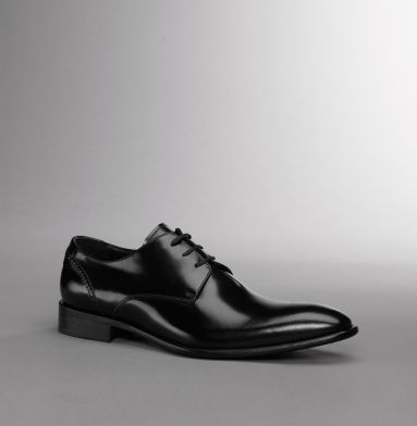 Kenneth Cole Mister Man. Need a new pair of oxfords.