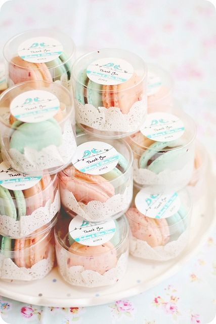macaroon wedding favor...