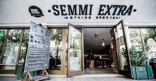 Semmi Extra - Sexy duck burgers and other non fast food (looks good)