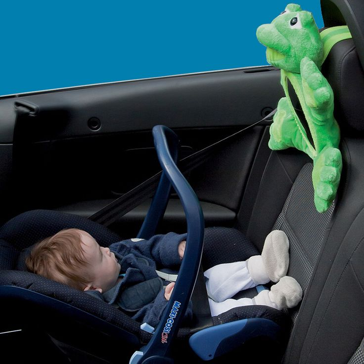 Car Mirrors is a fun way to keep your baby entertained and keep an eye on it! #carmirror #travelingwithkids