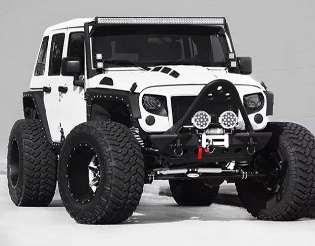 4 DOOR JEEP JK MODIFIED CUSTOMIZED AND PERSONALIZED!!!