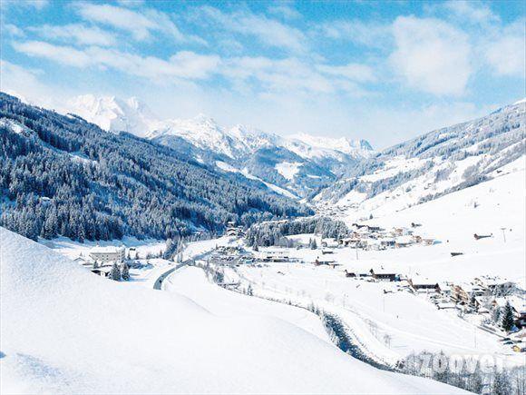 """Sneeuw in de bergen Gerlos / Gmünd. """"Ik kom al vele jaren in Gerlos en elk jaar is het weer een fantastische beleving."""" aldus een bezoeker op Zoover. #oostenrijk #wintersport #skien #gerlos #gmünd #hotelwintersport #sneeuw"""