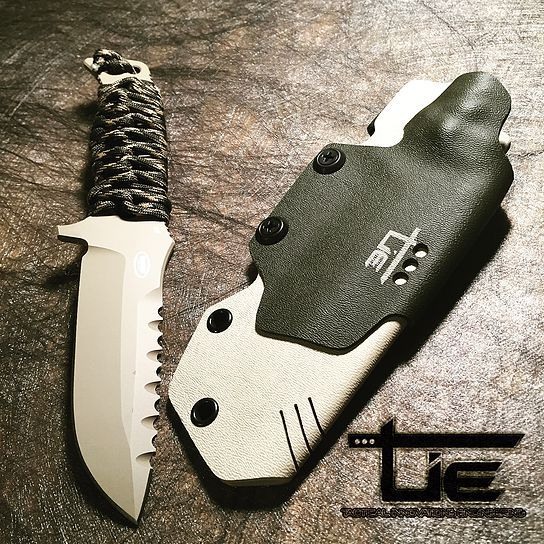 Benchmade 375 Kydex sheath with lock