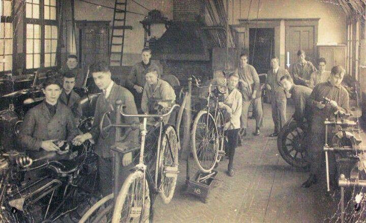 De ambachtsschool 1925
