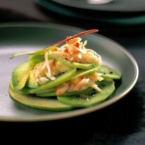 Salade acidulée de kiwi au crabe : 55 recettes de Noël prêtes à l'avance - Journal des Femmes